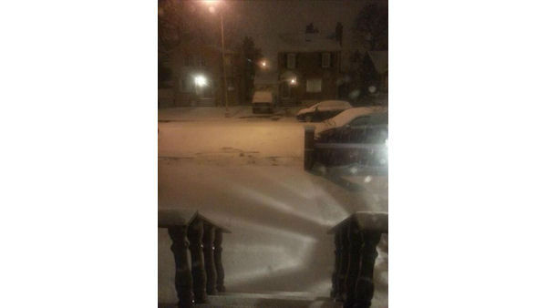 "<div class=""meta ""><span class=""caption-text "">The flakes are falling in Jamaica, New York.  (WABC Photo)</span></div>"