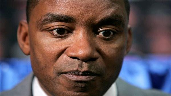 New York Knicks New York Knicks head coach Isiah Thomas pauses while responding to questions during a news conference Wednesday, April 9, 2008 in New York. (AP Photo/Frank Franklin II)