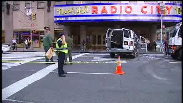 Six people injured in Midtown Manhattan accident