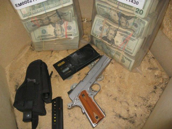 "<div class=""meta ""><span class=""caption-text ""> Police searched a New York City daycare facility Wednesday night in a drug sting that netted more than a kilogram of cocaine, 150 grams of crack-cocaine, more than 1,000 oxycodone pills, a loaded gun and $180,000.</span></div>"