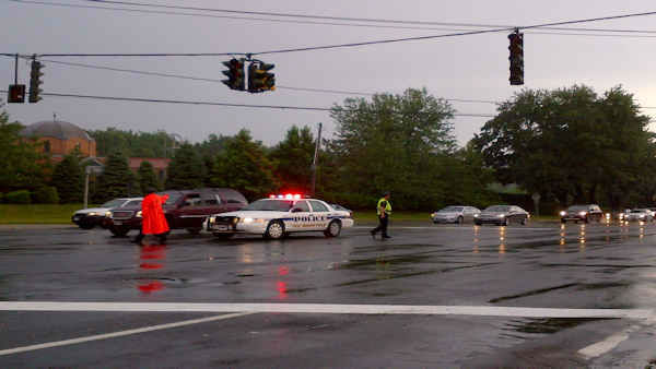 Police directing traffic on Rt. 25a in Glen Cove after the power went out.  <span class=meta>(Kristin Thorne)</span>