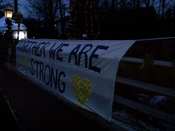 "<div class=""meta ""><span class=""caption-text "">Images from in and around Newtown as residents mourn the victims (Eyewitness News reporter Kristin Thorne)</span></div>"