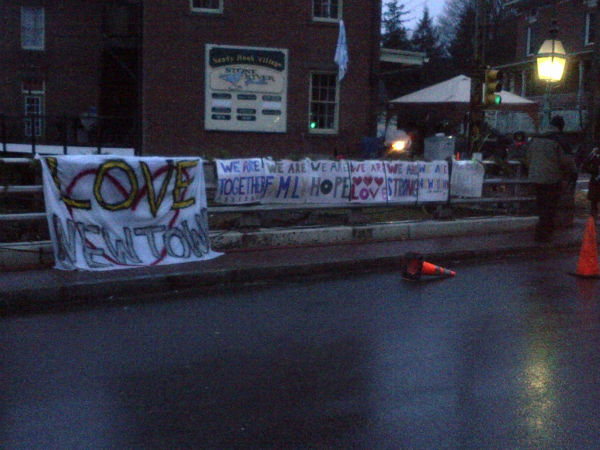 Images from in and around Newtown as residents mourn the victims <span class=meta>(Eyewitness News reporter Kristin Thorne)</span>