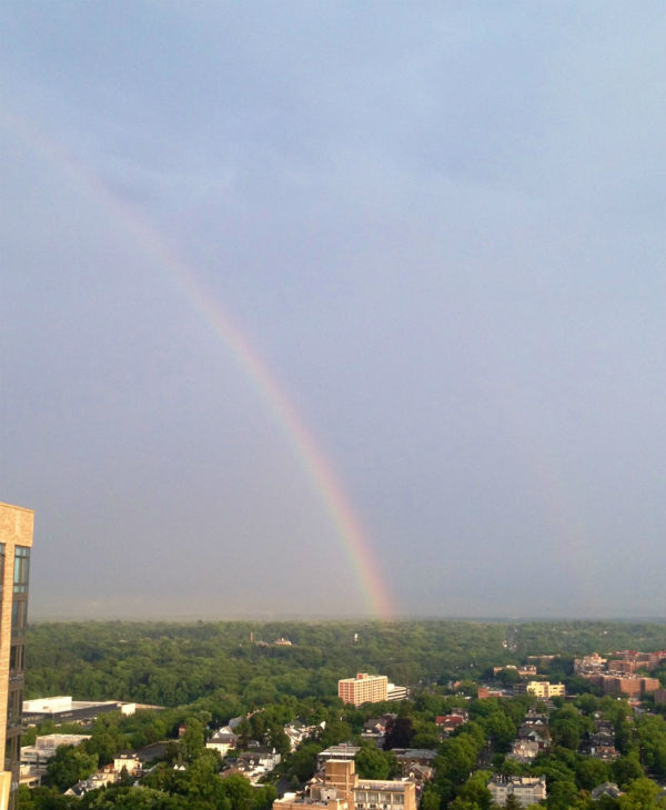 "<div class=""meta ""><span class=""caption-text "">A rainbow in White Plains</span></div>"