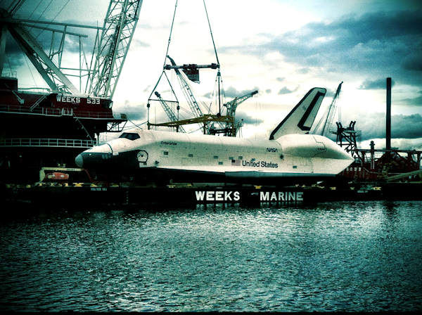 "<div class=""meta image-caption""><div class=""origin-logo origin-image ""><span></span></div><span class=""caption-text"">Viewer photos of the Shuttle Enterprise as it was moved to the Intrepid.</span></div>"