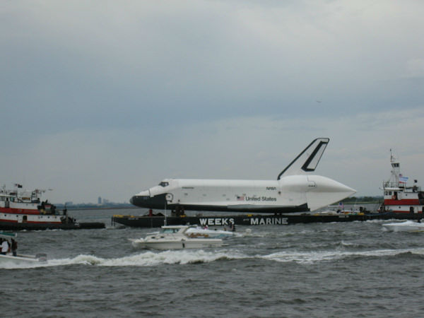 "<div class=""meta ""><span class=""caption-text "">Viewer photos of the Shuttle Enterprise as it was moved to the Intrepid.</span></div>"