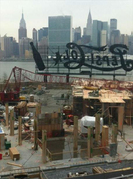 "<div class=""meta ""><span class=""caption-text "">A large crane collapsed at a construction site in Long Island City, Queens.</span></div>"