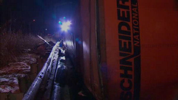 A tractor trailer overturned early Saturday morning in Newark, leading to the closure of Interstate 280 at Exit 15.