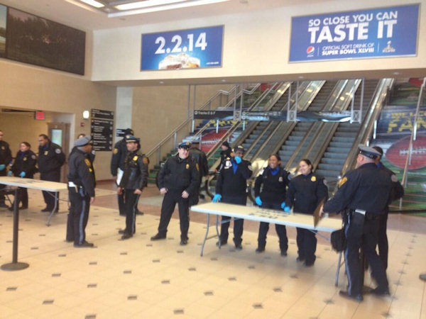 "<div class=""meta ""><span class=""caption-text "">Extra security at the New Jersey Transit station in Secaucus, New Jersey - Tim Fleischer @TimFleischer7</span></div>"
