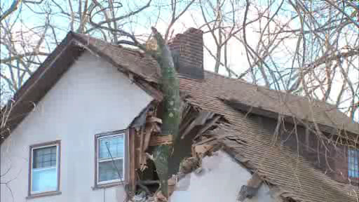 "<div class=""meta image-caption""><div class=""origin-logo origin-image ""><span></span></div><span class=""caption-text"">Various photos of storm damage around the New York area on Thursday, January 31, 2013.</span></div>"