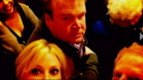 Three cast members of the ABC sitcom 'Modern Family', Julie Bowen, Jesse Tyler Ferguson and Eric Stonestreet, were among 15 people trapped in a hotel elevator in Kansas City Friday night.