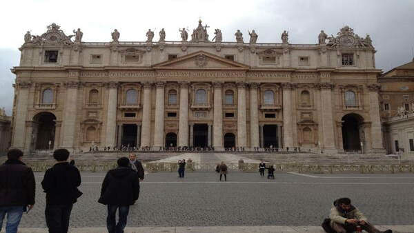 The new #Pope will emerge from that center balcony. Who will it be? -@JoeTorresABC7