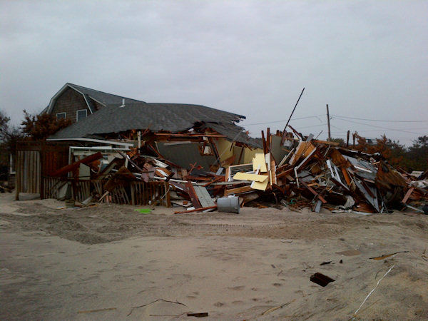 "<div class=""meta ""><span class=""caption-text "">Fire Island cleanup from Superstorm Sandy begins (Kristin Thorne)</span></div>"