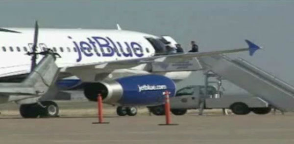 "<div class=""meta ""><span class=""caption-text "">A JetBlue captain is in FBI custody after sources tell ABC News he was acting erratically on a flight that was diverted from JFK to Amarillo, Texas. </span></div>"