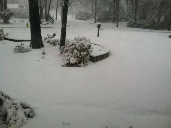"<div class=""meta ""><span class=""caption-text "">Surprise snow in Lake Grove on Monday, March 31, 2014.</span></div>"