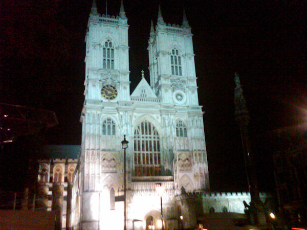 Westminster Abbey at night.   (Photo by Tara Zimmerman/Eyewitness News)