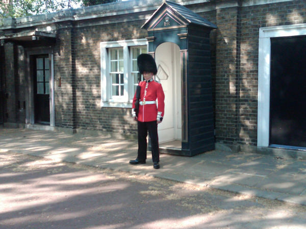 A Royal guard standing outside Prince Charles home  (Photo by Tara Zimmerman/Eyewitness News)