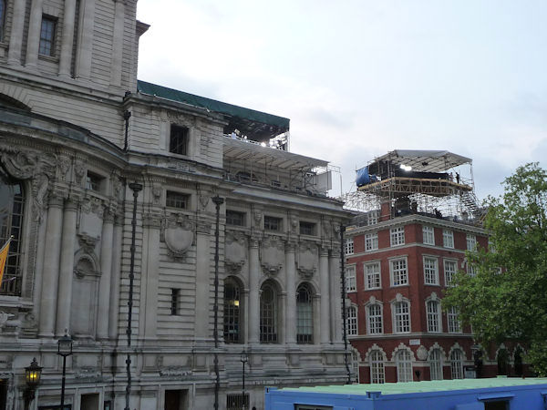 "<div class=""meta ""><span class=""caption-text "">ABC News workspaces from street level on top of Methodist hall. (Photo by Bryan White)</span></div>"