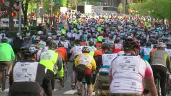 "<div class=""meta ""><span class=""caption-text "">32,000 bicyclists pedaled their way across New York City Sunday in the annual Five Boro Bike Tour.</span></div>"
