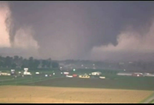 "<div class=""meta ""><span class=""caption-text "">A tornado on the ground near Oklahoma City on Monday, May 20, 2013.</span></div>"