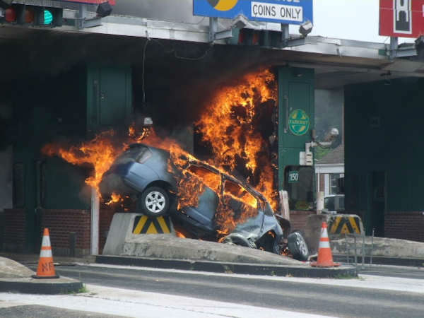 A car erupted into flames after crashing into the Bergen Toll Plaza on the Garden State Parkway. <span class=meta>(Photo&#47;Stan Tomlinson)</span>