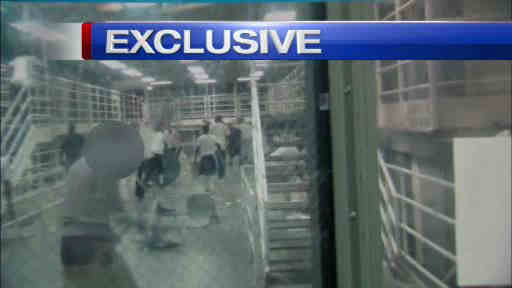 Eyewitness News obtained exclusive video of a fight that broke out between inmates at Rikers Island.