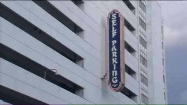 "<div class=""meta ""><span class=""caption-text "">Police are searching for the suspects involved in a deadly carjacking in the Taj Mahal parking garage in Atlantic City, New Jersey.</span></div>"