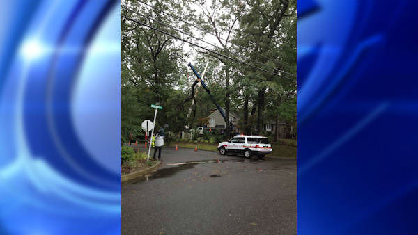 No one was injured when the top of an old oak tree fell on a home in Ridgewood, New Jersey, early Tuesday.