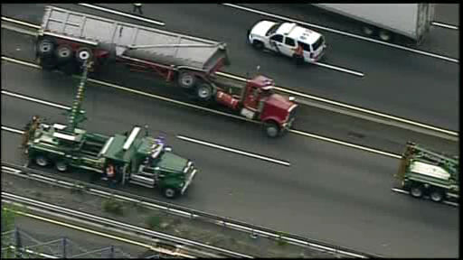 "<div class=""meta ""><span class=""caption-text "">NewsCopter 7 over the scene of a tractor-trailer accident on I-95 in Fort Lee, New Jersey.</span></div>"