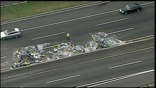 NewsCopter 7 over the scene of a tractor-trailer accident on I-95 in Fort Lee, New Jersey.