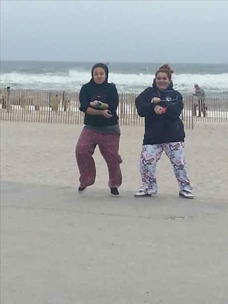 "<div class=""meta ""><span class=""caption-text "">Eyewitness News viewers send in photos of Hurricane Sandy all along the East Coast.</span></div>"