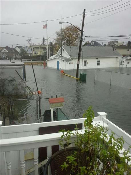 "<div class=""meta image-caption""><div class=""origin-logo origin-image ""><span></span></div><span class=""caption-text"">Eyewitness News viewers send in their photos of Hurricane Sandy up and down the East Coast.</span></div>"