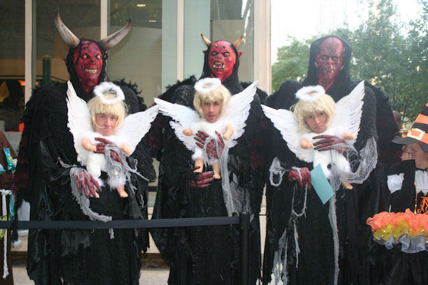 "<div class=""meta ""><span class=""caption-text "">Some of the contestants for Live's annual Halloween show on October 31, 2011. (WABC Photo/ Bob Monek)</span></div>"