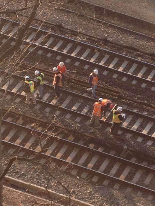 "<div class=""meta image-caption""><div class=""origin-logo origin-image ""><span></span></div><span class=""caption-text"">Crews examining tracks at the scene of the Metro North derailment in the Bronx. (WABC Photo/ Rene Washington)</span></div>"