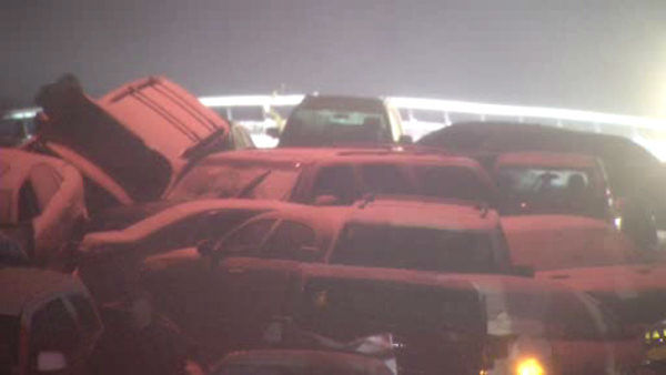 "<div class=""meta ""><span class=""caption-text "">At least a dozen cars were involved in a pileup Sunday night on the Bronx River Parkway in Yonkers after wintry weather caused treacherous driving conditions.</span></div>"