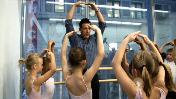 Mark DeCarlo visits the Joffrey Ballet