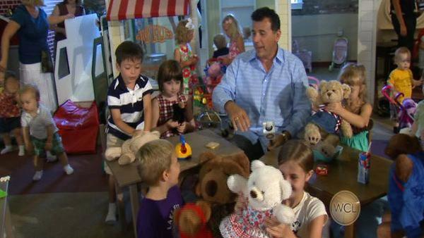 Mark DeCarlo Celebrates 'Teddy Bear Picnic Day!'