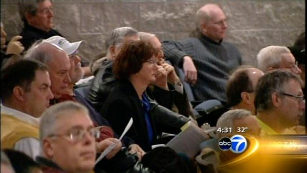Hundreds gather for hearing on Thomson prison plan