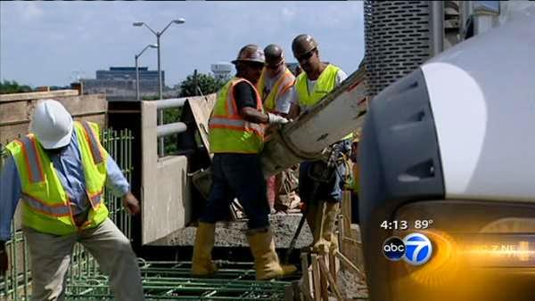 Tollway director: Projects should finish on schedule