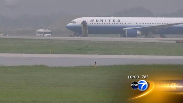 Passengers evacuated from United plane at O'Hare