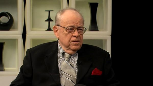 Janet Davies Interviews: Art Hellyer