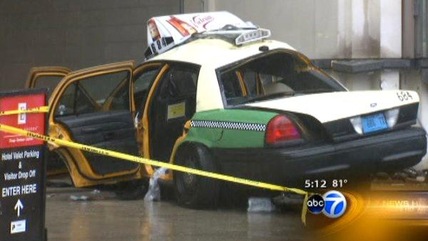 1 dead, 2 critical after Streeterville cab crash