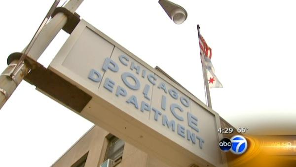 Chicago may close some police stations to save money