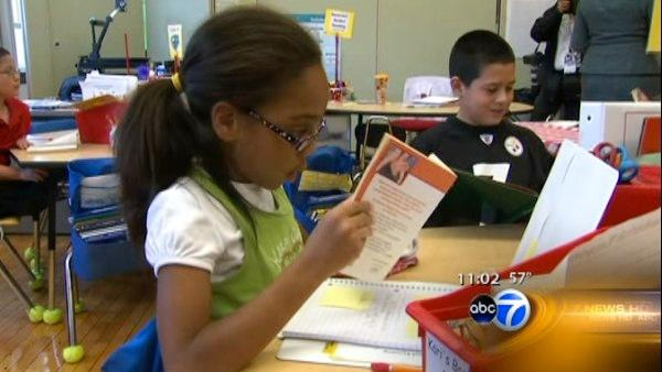 Survey supports longer days for Chicago schools
