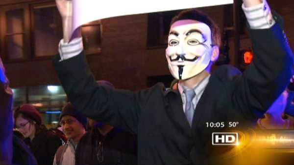 Occupy Chicago march again after 175 arrested