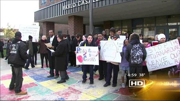 Parents protests plans to reform CPS schools