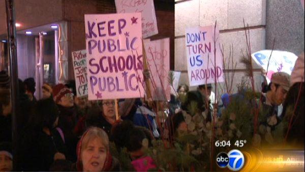 CPS plans draw protests to city hall