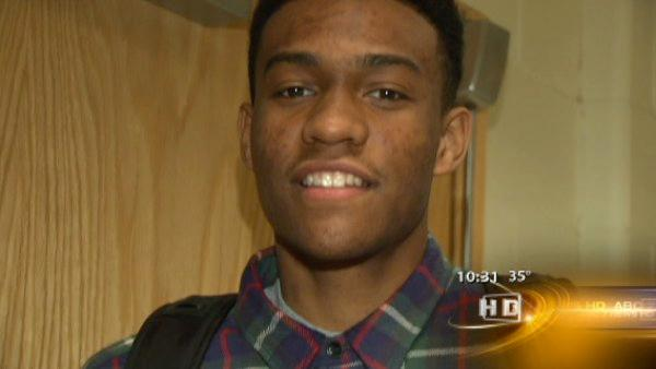 Simeon High player honored by USA Basketball