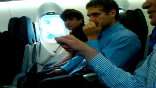 Cell Phone Video: Blagojevich on plane