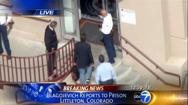 Rod Blagojevich enters federal prison